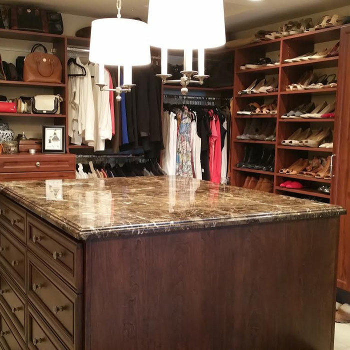 Closet with Island table