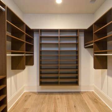 Closets by United Cabinets