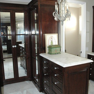 Inspiration for a timeless closet remodel in Los Angeles