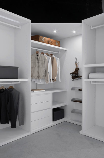Contemporary Closet by SEE MATERIALS INC.