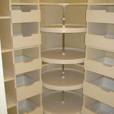 Modern Closet by The Closet Company