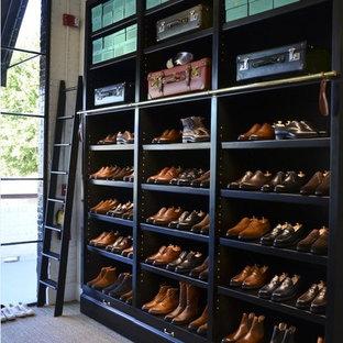Esempio di armadi e cabine armadio eclettici