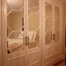 Traditional Closet by Covenant Millwork Inc.