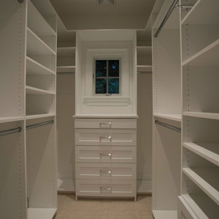 75 Beautiful Small Walk In Closet Pictures Ideas Houzz