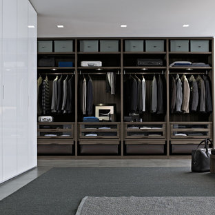 Closet - contemporary closet idea