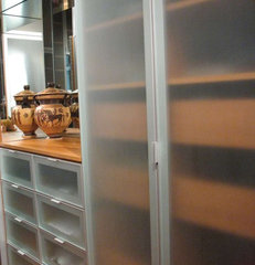contemporary closet by Denise Butchko/Butchko and Company