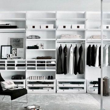 Contemporary Wardobes & Walk In Closets
