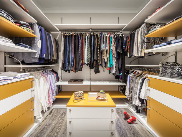 Contemporary Wardrobe by Guimar Urbina Interiors, Corp.