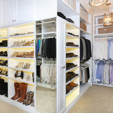 Traditional Closet by Blackband Design