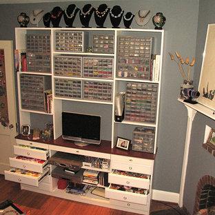 Minimalist closet photo in Philadelphia