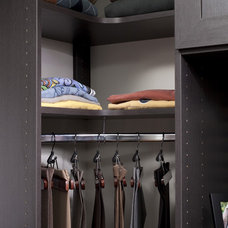 Contemporary Closet by The Closet Works, Inc.