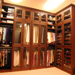traditional closet by SpaceMan