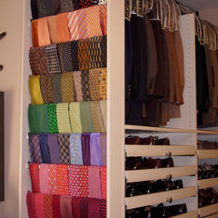 modern closet by SpaceMan Home & Office