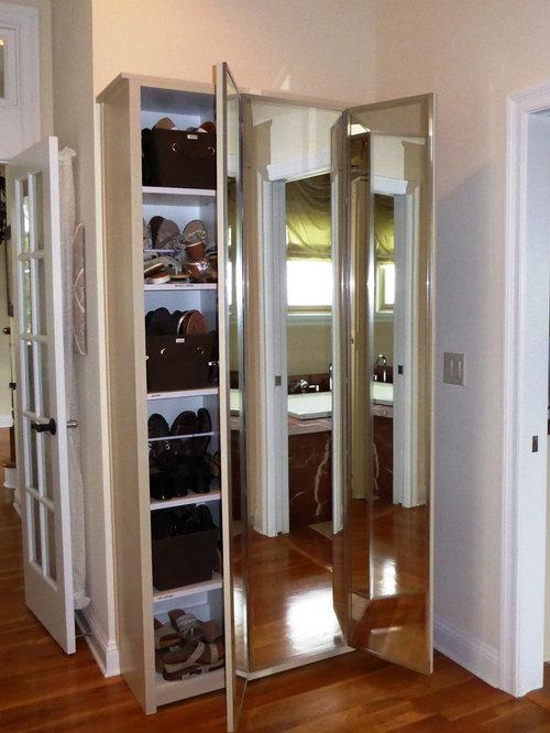 Armoires et dressings bord de mer avec des portes de - Customiser une porte de placard ...