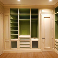closet by Savena Doychinov, CKD/Design Studio International