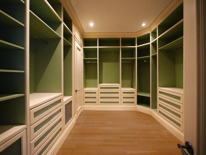 Closet by Savena Doychinov, CKD/Design Studio International