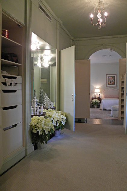 Traditional Closet by Sarah Greenman