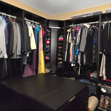 Contemporary Closet by Javic Homes