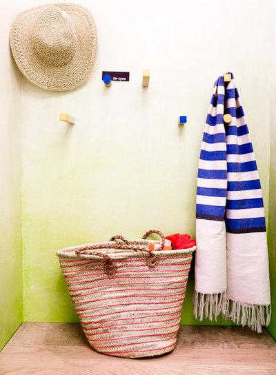 Contemporary Closet by Rikki Snyder