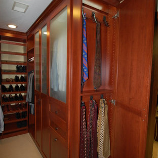Deluxe Closets
