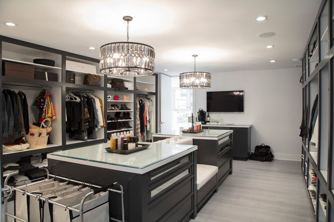 Contemporary Closet by RTH Building Company