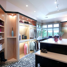 Contemporary Closet by Scott Christopher Homes/Surpass Renovations