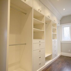 Traditional Closet by MILLWORX