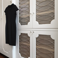 Traditional Closet by Glave & Holmes Architecture