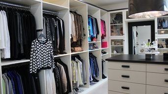 Dream Closet in Ivory and Black