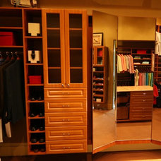 Traditional Closet by The Closet Doctor