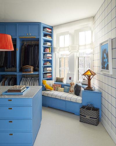 Modern Ankleidezimmer by Atelier Armbruster