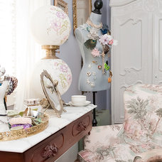 Eclectic Closet by Kristie Barnett, The Decorologist