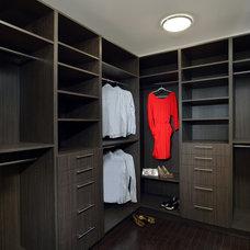 Contemporary Closet by My Design Studio, Yasmine Goodwin