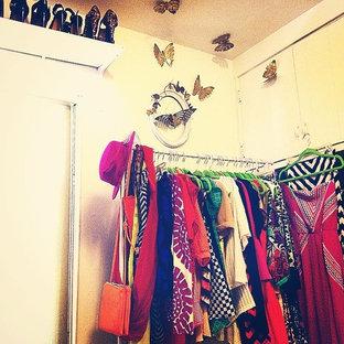 Imagen de vestidor de mujer vintage