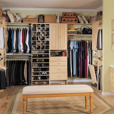 Traditional Closet by Avanti Closets & Cabinetry