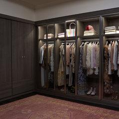 Fashion Blogger Wardrobe