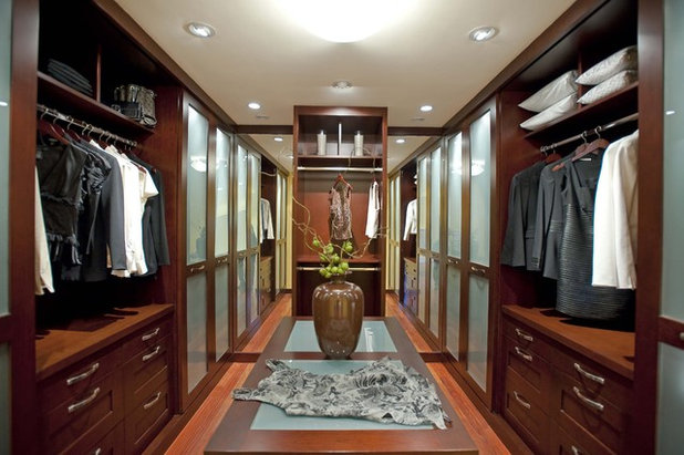 Turn That Spare Room Into A Walkin Closet Awesome Convert Closet To Bedroom Set