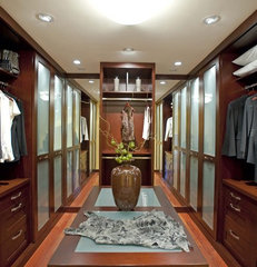contemporary closet by Danenberg Design