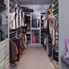 contemporary closet by Beckwith Interiors