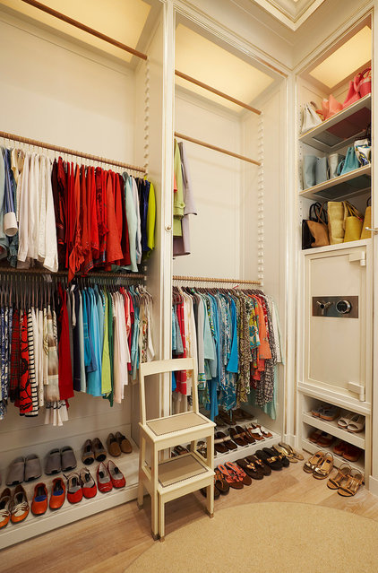 Transitional Closet by Clos-ette Too