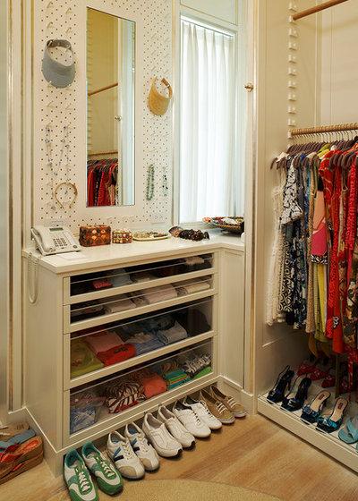 12 Small Walk In Wardrobe Ideas To Maximise Storage Space