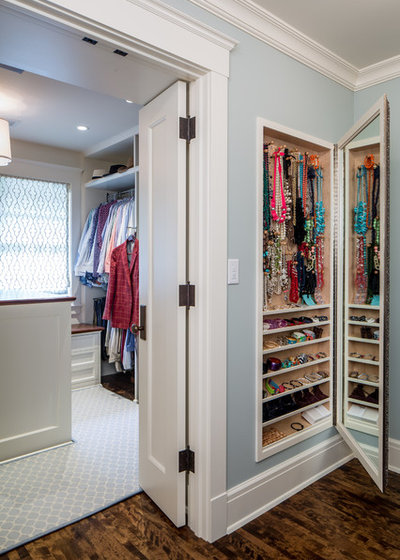 Traditional Wardrobe by J Korsbon Designs