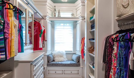What Is Minimum Space For Small Walk In Closet