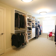 Closet by Kenorah Design + Build Ltd.