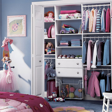 Girl's stand closet with basket