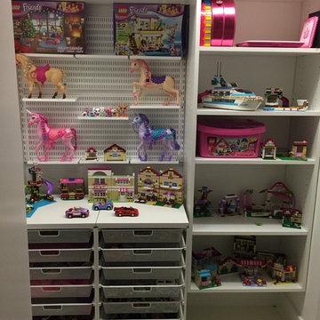 Girls Toy Closet