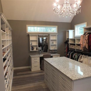 Glamour Closet in Willoughby Hills