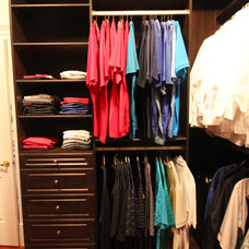 Traditional Closet by SOUPerior Organizing