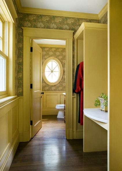 Traditional Closet by Siemasko + Verbridge