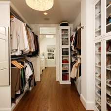 Traditional Closet by Harry Braswell Inc.
